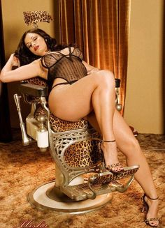 girls-with-curves: Easiest way to find hot curvy women near you!