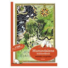 Lär dig engelska med Mumin! Du får följa med vad som sker på morgonen, mitt på dagen, eftermiddagen, kvällen och natten. Muminmamman har förlagt sin handväska och alla söker efter den. Vem hittar den? Efter att väskan hittats, finns det orsak att ordna en fest med allt vad det betyder av förberedelser. Efter festen tittar man på stjärnhimlen innan det är läggdags. I Mumindalens bildordbok finns över 1200 ord att lära sig!