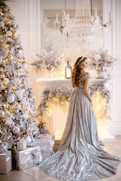 For parties, they are ideal to sublimate its Christmas decoration with ease, even at the last minute. Christmas Living Rooms, Christmas Mood, Silver Christmas, Elegant Christmas, Christmas Photos, Ugly Christmas Sweater, Christmas Wedding, Holiday, Christmas Dress Women