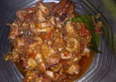 Resep Sambal cumi oleh Septi Setyaning Tias - Cookpad Sambal Recipe, Indonesian Cuisine, Seafood Recipes, Asian Recipes, Spicy, Pork, Veggies, Food And Drink, Menu