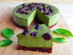 Vegan No-Bake Mint Chocolate Cheesecake