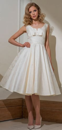 Louise Bentley 2016 Collection BE41 Claudia