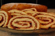 Rullekake er noe de aller fleste liker, og den kan varieres på så mange forskjellige måter! Bruk ... Apple Pie, Easy, Desserts, Food, Blogging, Tailgate Desserts, Deserts, Essen, Postres