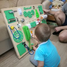 Бизиборд макси Смекалкин фото Toddler Fun, Toddler Toys, Toddler Activities, Baby Sensory Board, Sensory Boards, Busy Board Baby, Busy Boards For Toddlers, Activity Board, Kids Birthday Gifts