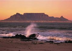 Beautiful view of Table Mountain,Cape Town South Africa! Cape Town Tourism, Cape Town Hotels, Table Mountain Cape Town, Places To Travel, Places To Visit, Cape Town South Africa, Landscape Pictures, Most Beautiful Cities, Mountain Landscape
