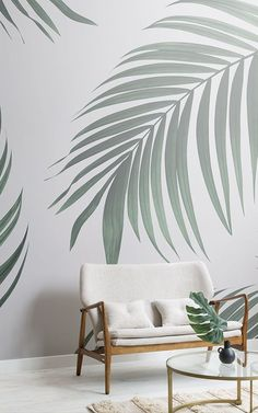 Create a chic conservatory feature wall with a beautifully tropical feature wallpaper. These conservatory decor ideas are on-trend and stylish and will add an extra bit of oomph to your space. Creating a conservatory feature wall will allow you to achieve Interior Tropical, Tropical Home Decor, Tropical Houses, Tropical Paradise, Tropical Colors, Tropical Furniture, Tropical Garden, Modern Tropical, Flur Design