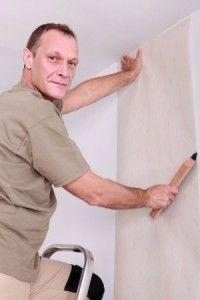 Comment poser du papier peint : tout ce qu'il faut savoir