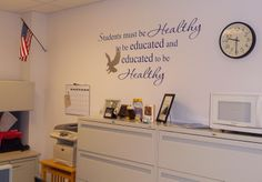 School Nurse Office Cher's Signs by Design: School Nurse's Office Nurse Office Decor, School Nurse Office, Nurse Decor, School Nursing, Nurse Bulletin Board, Bulletin Boards, Nursing Board, Nurses Station, Nursing Profession