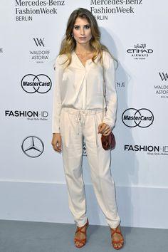 Pin for Later: Seht alle Stars bei der Berlin Fashion Week Cathy Hummels bei der Modenschau von Sportalm