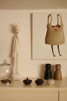 only small ceramic pieces doll maria rita and painting João Vaz de Carvalho