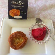 Un dessert pour ce soir ! Un kouign amann de Marie Morin avec un sorbet framboise .  .  .  .  #kouignamann #gateau #gateaubreton #mariemorin #gouter #goutertime #foodporn #deliciousfood #foodlove #pictureoftheday #foodphoto #glace #sorbet #sogoood #igersfood #igersbreizh #breizh