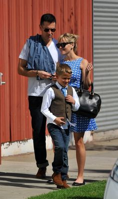 Reese Witherspoon attends church with her adorable family in Santa Monica. Click through to OK for more pics of Reese and her kids!