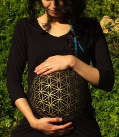 Maternity Top T Shirt Sacred Geometry Flower of Life Black T-shirt Maternity Clothing Pregnant Pregnancy Mother Tshirt Sacred Soul Maternity  #Maternity #MaternityTop #Futuremother #Sacred Geometry #floweroflife #Scredsoulmaternity #Floweroflife #Sriyantra  #Maternitytshirt #pregnanttop #pregnant #momtobe #mumtobe #mothertobe #maternityclothes #maternityfashion