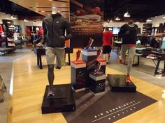 Nike Air Max Lunar 1 Breathe retail window display sports shoe display plinths.
