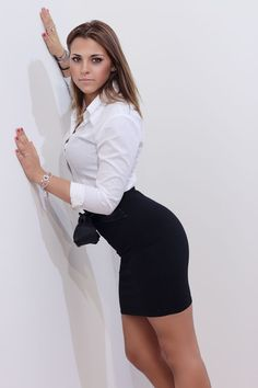 my favorite office and beauty clothes: Foto Tight Pencil Skirt, Satin Blouses, Business Dresses, Blouse Outfit, Poses, Elegant Woman, Sexy Legs, Sexy Outfits, Amazing Women