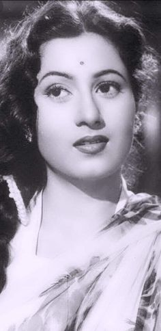 Perhaps the creation of god summed up in one person , the most beautiful and talented Madhubala ji. Vintage Bollywood, Bollywood Images, Bollywood Posters, Bollywood Cinema, Indian Bollywood Actress, Beautiful Bollywood Actress, Most Beautiful Indian Actress, Bollywood Actors, Bollywood Celebrities