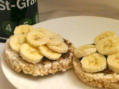rice cakes with bananas