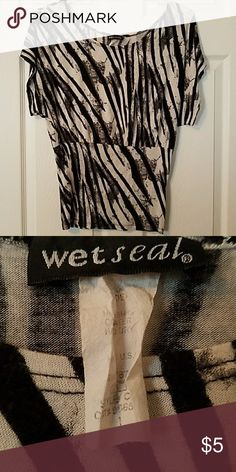 Zebra Print Scoop neck T-shirt Zebra Print Scoop neck T-shirt Wet Seal Tops Tees - Short Sleeve