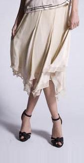 Flapper style skirt in creme