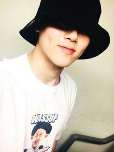 [#주헌] 몬베베 여러분 더 커넥트 첫번째 공연 모두 준비됐어용??? 난 내 사진이 담긴 나의 티셔츠를 입고 리허설을 마쳤답니다! 기대하시라~~ 내가 간당~~~!!! #MonstaX #Jooheon ♡
