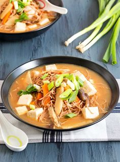 Gluten Free Hot and Sour Noodle Soup Recipe Really nice recipes. Every hour. Show me what you cooked! Gluten Free Soup, Gluten Free Dinner, Dairy Free Recipes, Vegan Gluten Free, Asian Recipes, Ethnic Recipes, Noodle Soup, Soups And Stews, Soup Recipes