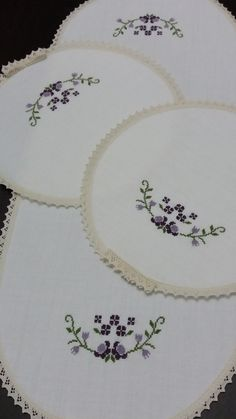 Crewel Embroidery, Cross Stitch Flowers, Cross Stitch Designs, Diy And Crafts, Cross Stitch Embroidery, Made By Hands, Craft, Embroidery Ideas, Funny Cross Stitches