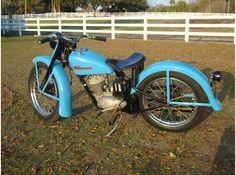 Vintage Motorcycles, Cars Motorcycles, Harley Davidson History, Back Seat, Hummer, Bobber, Cool Cars, Bike, Beautiful