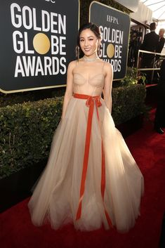 Constance Wu in custom Vera Wang and Maison Messika jewelry @ the 2019 Golden Globes Constance Wu, Haute Couture Gowns, Valentino Couture, Golden Globe Award, Golden Globes, Vera Wang, Nude Gown, Red Carpet Gowns, Textiles
