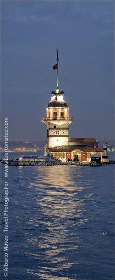 Kiz Kulesi Tower, Bosphorus Channel, Istanbul, Turkey - © Alberto Mateo Travel Photographer
