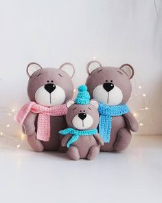 Brown bear – felt animals -nursery decor- handmade gift- baby gift -gift for kids- Bear gift – Felt toy – Christmas gift – Family gifts Easy Felt Crafts, Felt Diy, Cute Crafts, Fish Crafts, Felt Crafts Patterns, Bear Felt, Handmade Baby Gifts, Handmade Items, Felt Decorations