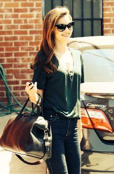 Miranda Kerr  High waisted jeans, basic v-neck tee= effortless daywear