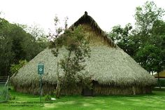 Jardín Botánico en Bogotá Cabin, House Styles, Home Decor, Architects, Cities, Winter, Decoration Home, Room Decor, Cabins