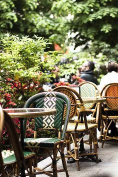 rue Trésor, Paris 4eme--always a cool, shady spot on a hot day