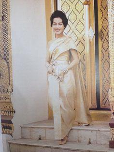 Queen /thai dress