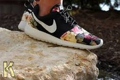 best authentic 08d23 6b3e2 roshe run special edition