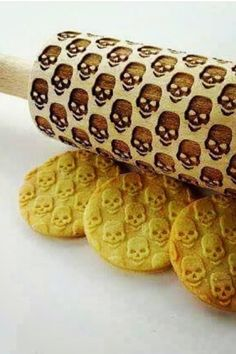 This Skull Rolling Pin features embossed skull heads for making unique cookies, pastries and other delicious food items. Perfect for Halloween, birthday parties,.