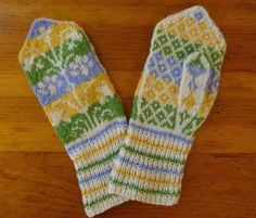 A variation of Lilies: Woman's Mittens by Annemor Sundbø Norwegian Knitting, Knitting Designs, Lilies, Mittens, Beautiful, Women, Knitting Projects, Fingerless Mitts, Irises