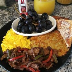 Food Pics, Food Pictures, Food Baby, Baby Food Recipes, Steak And Eggs, Food Goals, Amy Adams, Breakfast In Bed, Grubs