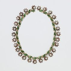 Necklace (image 1) | Europe | early 17th century | gold, enamel, pearls | Victoria & Albert Royal Museum | Musuem #: M.108-1975