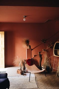 Palette de couleurs terracotta, rose, beige et brun // Pièce en total look terracotta Rose Beige, Flur Design, Mexican Home Decor, Turbulence Deco, Palette, Blush Roses, Color Combos, Interior Inspiration, Interior Architecture