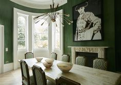 Dining Room in Notting Hill Family House by Maddux Creative on Green Dining Room, Dining Room Colors, Dining Room Design, Dining Rooms, Dining Tables, Notting Hill, Room London, London Decor, Famous Interior Designers