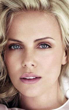 Charlize Theron Шарли́з Те́рон