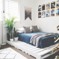 Here we go with another magnificent wooden pallet bed frame presented to you which so distinctly beautiful and classy look is making it much more beautiful. This gives your bedroom a royal look and a different flavor with the bed placed above it that makes you feel as if you are above the world.