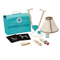 Veterinarian Cases and Accessories Plan Toys Games and Leisure .- Tierarzt-Koffer und Accessoires Plan Toys Spiele und Freizeit Vet Set Plan Toys Kind- Large selection of games and leisure on Smallable, the Family Concept Store – Over 600 brands. Medical Bag, Plan Toys, Eco Friendly Toys, Medicine Bottles, Pet Tags, Creative Play, Imaginative Play, Pretend Play, Cool Toys