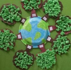 Great for recycling and Earth Day project! This would make a fabulous bulletin board too. Attach with glue dots or hot glue. You are in … Kids Crafts, Preschool Crafts, Diy And Crafts, Paper Crafts, Earth Day Projects, Earth Day Crafts, Projects To Try, Earth Day Activities, Activities For Kids