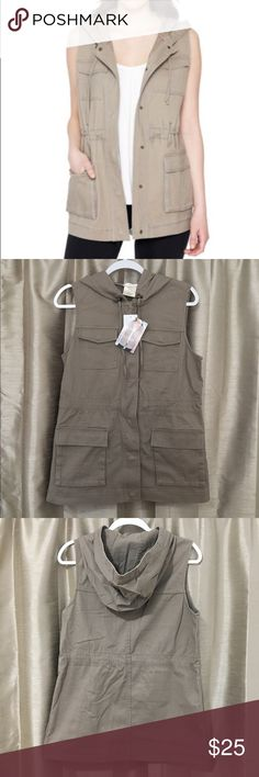 Matty M Cargo Vest ✨BRAND NEW✨with tags. Perfect condition. 100% cotton Matty M Jackets & Coats Vests