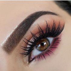 @rania_bellamarie_mua wearing @shophudabeauty lashes in Sasha