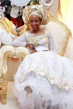 Very beautiful African Wedding gown Nigerian Wedding Dress, African Wedding Attire, Nigerian Bride, Nigerian Weddings, African Attire, African Dress, Nigerian Traditional Wedding, Traditional Wedding Dresses, Traditional Weddings