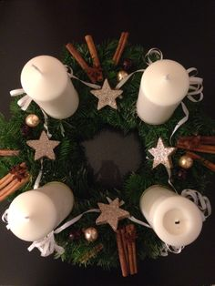 Advent wreath, Adventní věnec All Things Christmas, Christmas Holidays, Christmas Wreaths, Christmas Decorations, Christmas Ornaments, Holiday Decor, Advent Wreaths, Altered Bottles, Xmas Tree
