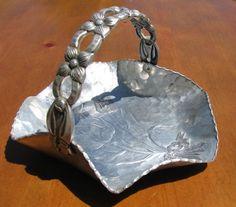 pounded aluminum | Vintage Hammered Aluminum Tulip Basket from Rodney Kent from ...